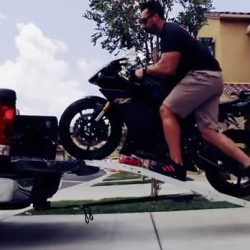 How to load a motorcycle using ramp? | Citizenshipper