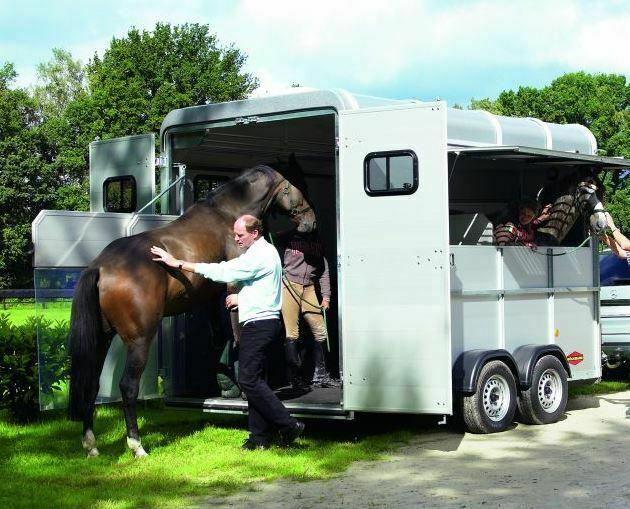 Boeckmann traveller horse trailer